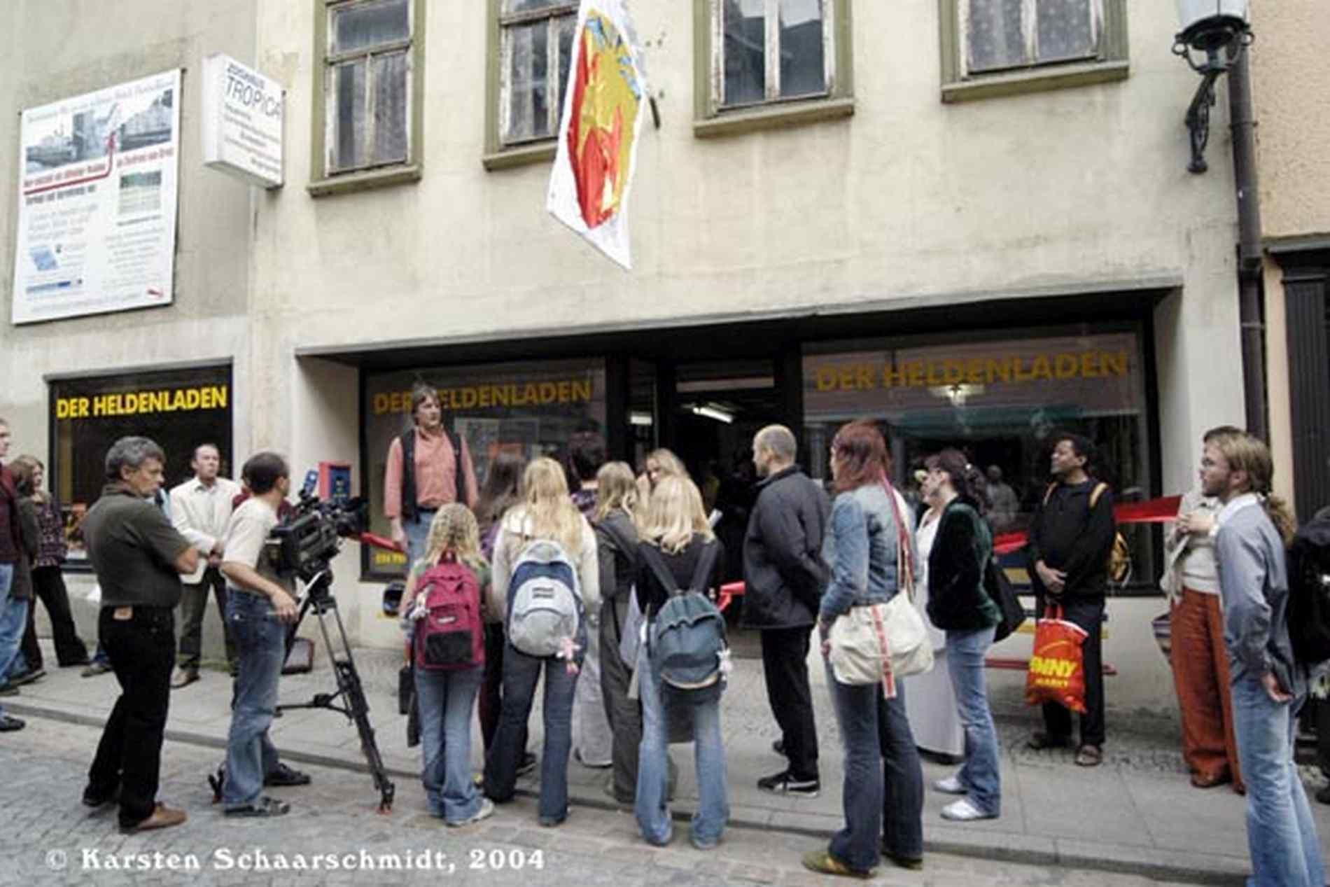 RB_015_XIII_Th_HELDENLADEN_2004_foto_karsten_schaarschmidt.jpg